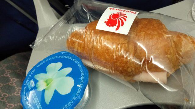 タイ・ライオン・エアの機内で出てくるパン